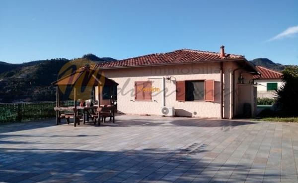 Villa Trifamiliare dotata di ogni comfort
