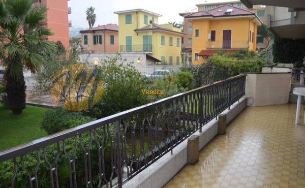 In bella palazzina Bilocale con grande terrazza vivibile