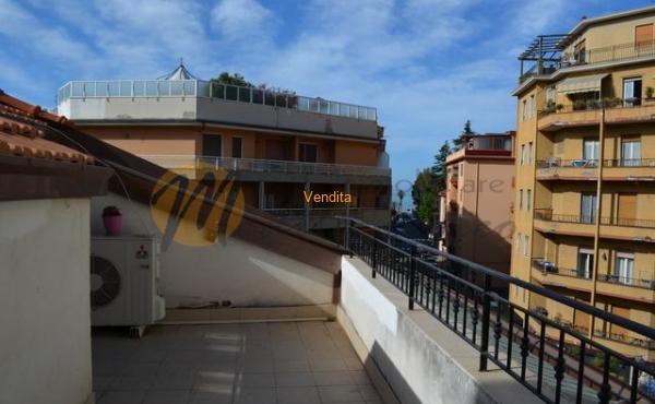 Nel cuore di Ventimiglia a pochi passi dal mare, Trilocale mansardato